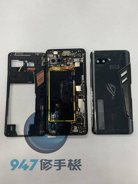 ASUS ROG 1手機維修_面板更換_電池更換02.jpg