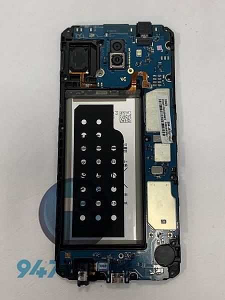 三星J8 手機維修_麥克風更換_電池更換03.jpg