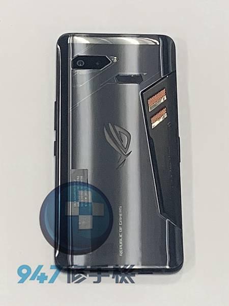 ROG 1 手機維修_面板更換_電池更換01.jpg