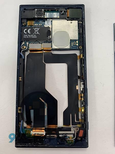 SONY XZ 手機維修_面板更換_電池更換02.jpg