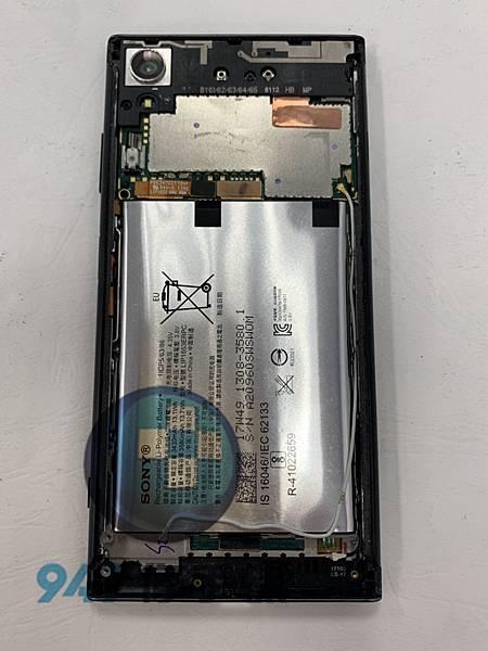 SONY XA1+ 手機維修_尾插模組更換_電池更換04.jpg