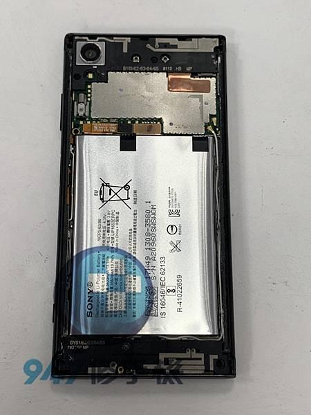 SONY XA1+ 手機維修_尾插模組更換_電池更換02.jpg