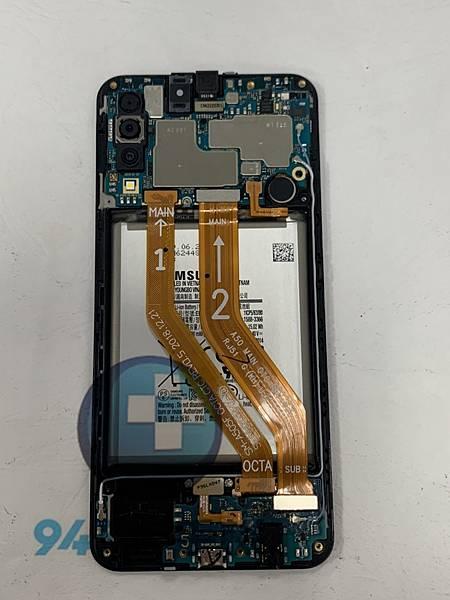 三星A50 手機維修_尾插更換_電池更換03.jpg
