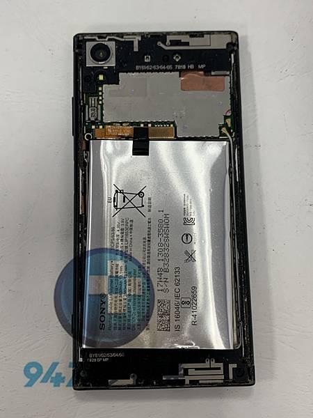 SONY XA1+ 手機維修_電池更換_尾插模組更換03.jpg