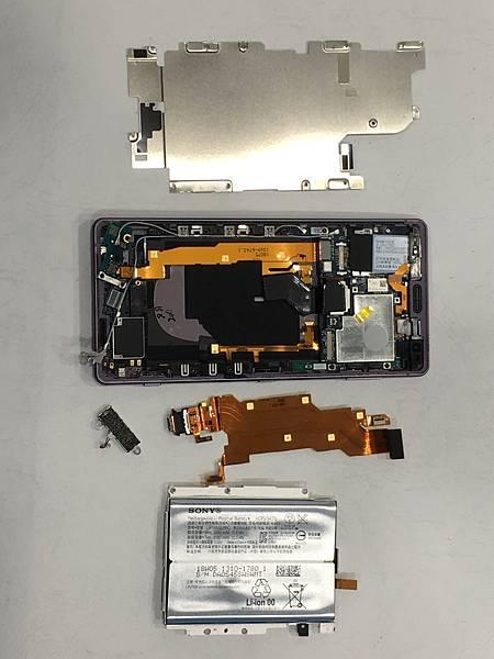 SONY XZ2手機維修_更換充電孔排線03.JPG