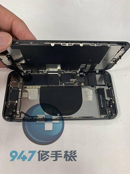 IPHONE 8 手機維修_電池更換_尾插模組更換03.jpg