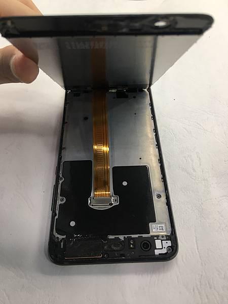 華為P10+手機維修_更換螢幕_更換電池02.JPG