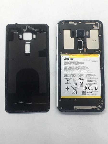 ASUS Z012DA手機維修_更換螢幕02.JPG