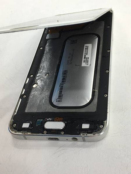 三星A8 2015手機維修_更換電池02.JPG