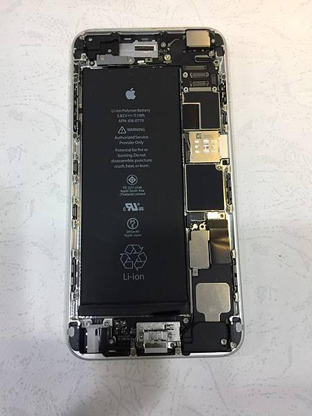 i6+手機維修_更換電池02.jpg