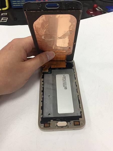 J7 PRO手機維修_更換面板02.jpg