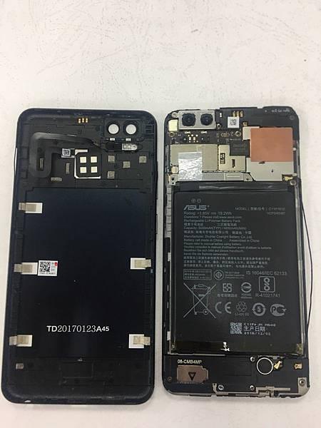 ASUS Z01HDA手機維修_更換螢幕02.jpg