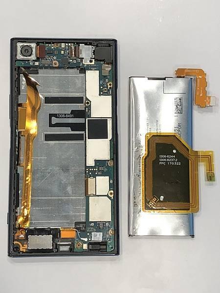 SONY XZP手機維修_更換電池03.jpg
