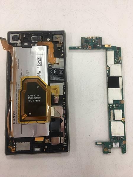 SONY XZP手機維修_更換開機排線03.jpg