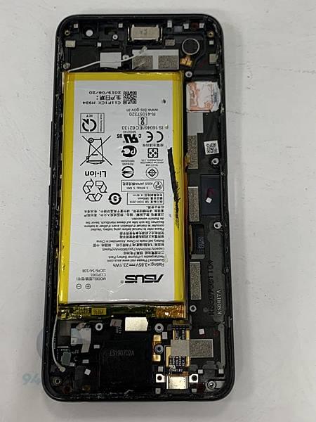 ROG 2 手機維修_面板維修_電池更換03.jpg