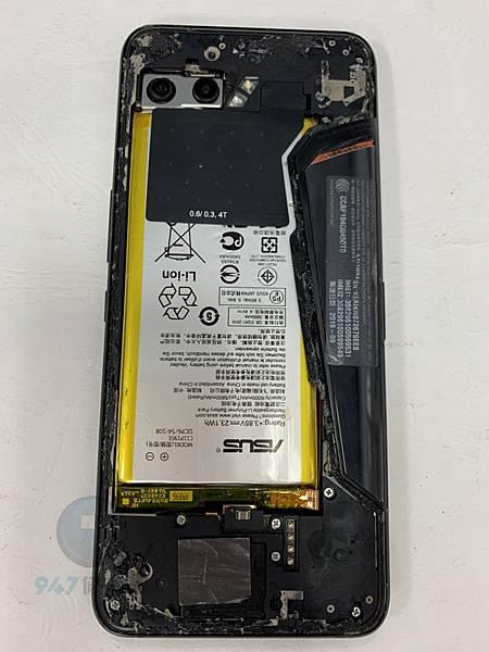 ROG 2 手機維修_面板維修_電池更換02.jpg