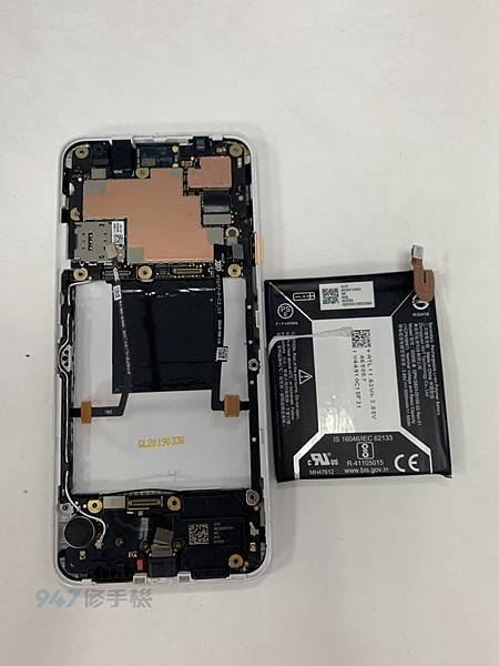 PIXEL 3A 手機維修_電池維修_面板更換04.jpg