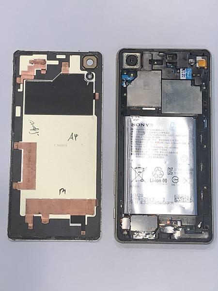 SONY XP手機維修_更換面板02.jpg
