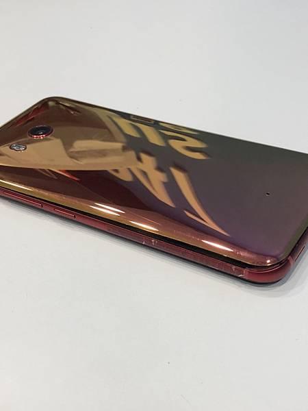 HTC U11手機維修_更換電池01.jpg