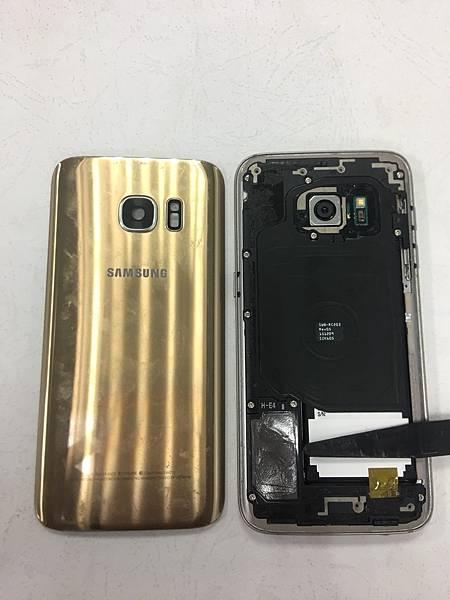 三星S7手機維修_更換電池_更換耳機孔02.jpg