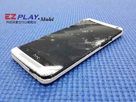 HTC New one (801e) 被車碾過螢幕背蓋破裂