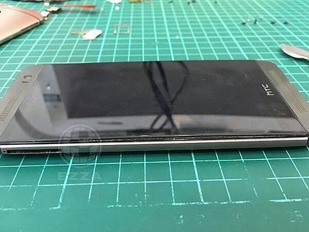 M8電池膨脹 (1)