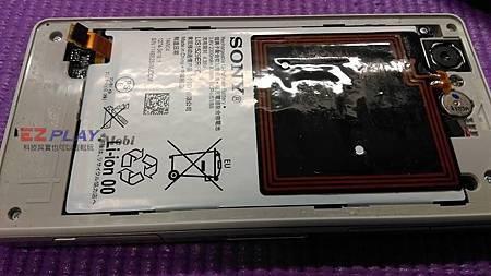 Sony Z1 Compact電池膨脹來了