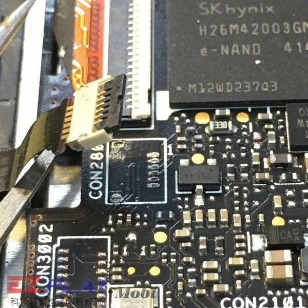 ASUS Zenfone 5 無法開機音量建也不能操作