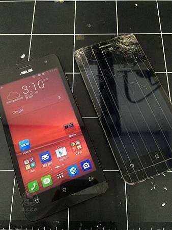 Asus ZenFone 5摔破頭