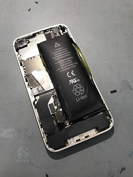 IPHONE 4S電池大膨脹