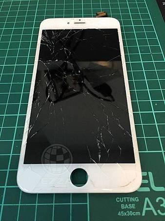 滿是裂痕iphone6+面板