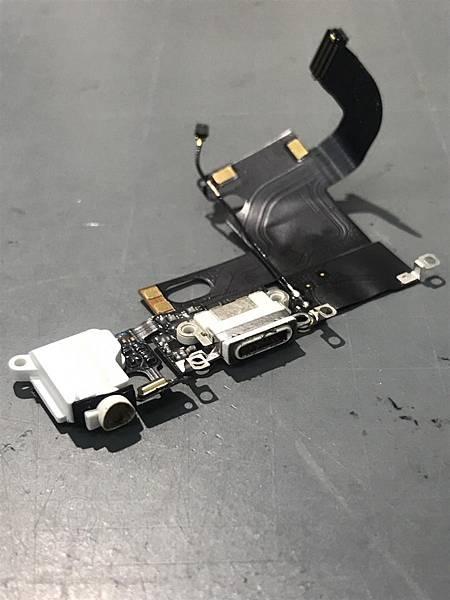 IPHONE 6充電孔鬆脫