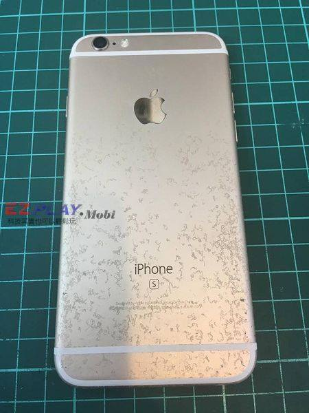 iphone6s背蓋磨損得很難看