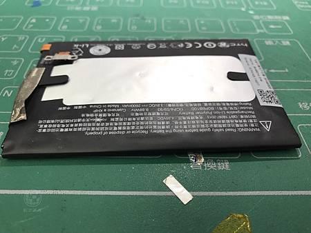 M8電池膨脹(6)