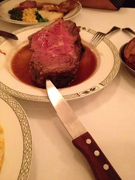 使用的是這樣的刀