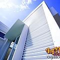 白色的海景鐵皮屋.jpg