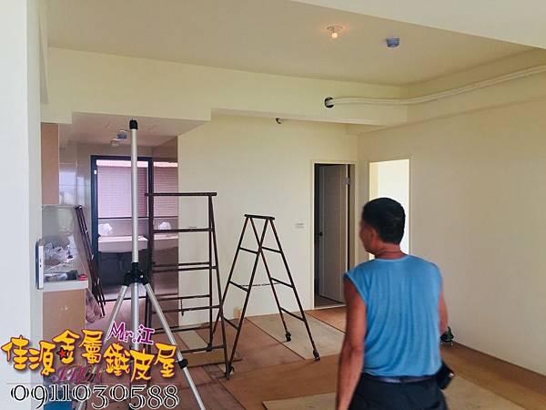 客廳與廚房的金屬玻璃隔間 (15).jpg