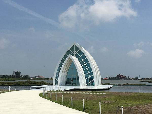 105.05水晶教堂