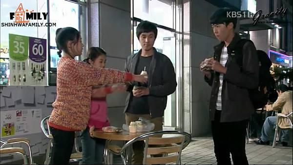 【神话家族&万有引力】KBS1TV《加油,Mr.金!》E03.avi_20121111_105721.885