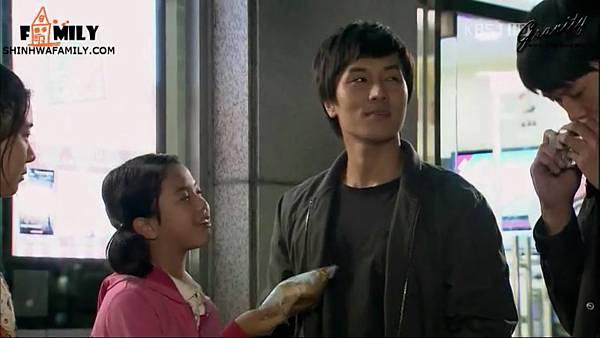 【神话家族&万有引力】KBS1TV《加油,Mr.金!》E03.avi_20121111_105802.787