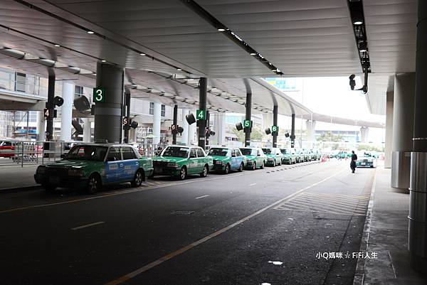 香港機場計程車站4.jpg
