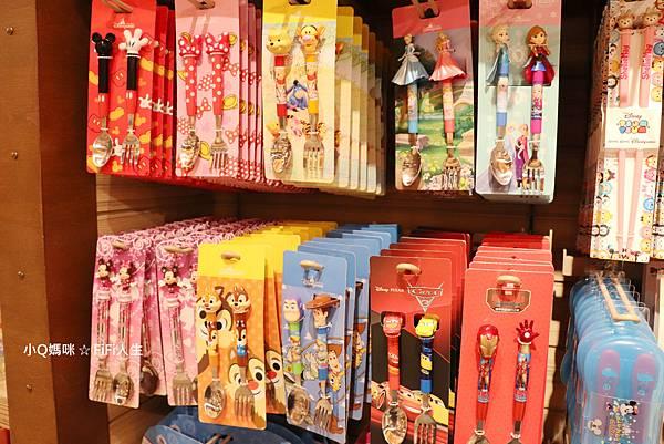 探索家酒店迪士尼商店17.jpg