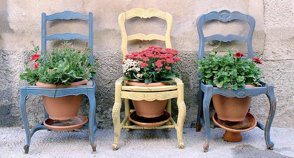 3-CHAIRS_PROVENCE_FRANCE_grande