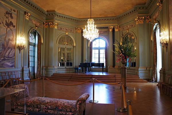Ballroom_2 (2).JPG