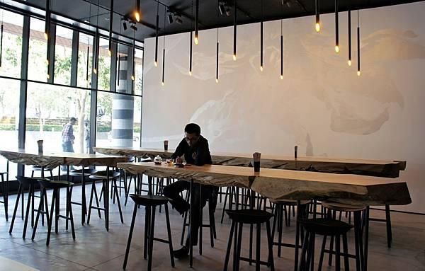 Lounge Bar壁畫