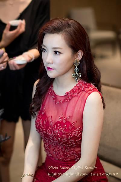 23時尚簡約新娘造型~質感新秘推薦Olivia Lotus純晚宴造型工作紀錄