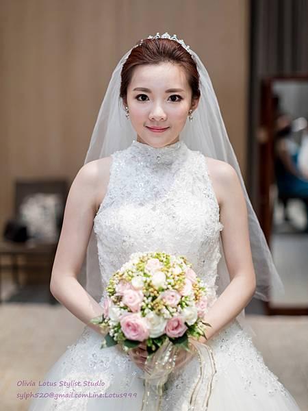 時尚簡約新娘造型~質感新秘推薦Olivia Lotus純晚宴造型工作紀錄