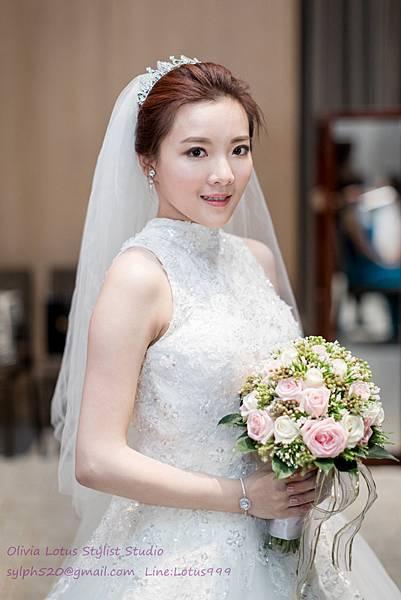 26時尚簡約新娘造型~質感新秘推薦Olivia Lotus純晚宴造型工作紀錄