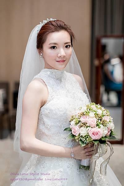 22時尚簡約新娘造型~質感新秘推薦Olivia Lotus純晚宴造型工作紀錄