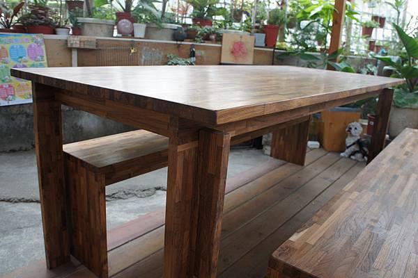 指接柚木餐桌01.JPG